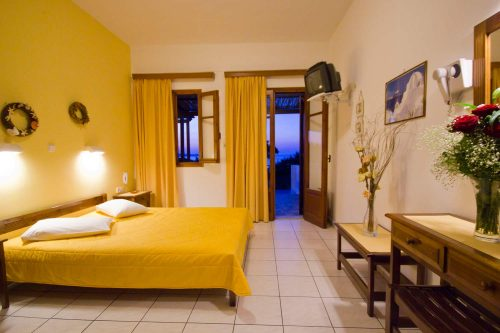 apartment-accommodation-in-galini-hotel-milos--sland-greece2